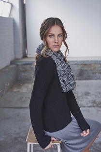 Boxy Pocket Knit 41611071 Black, Infinity Scarf 41610131