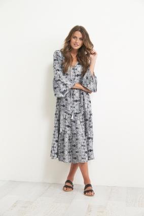 Dress: 446J5047A