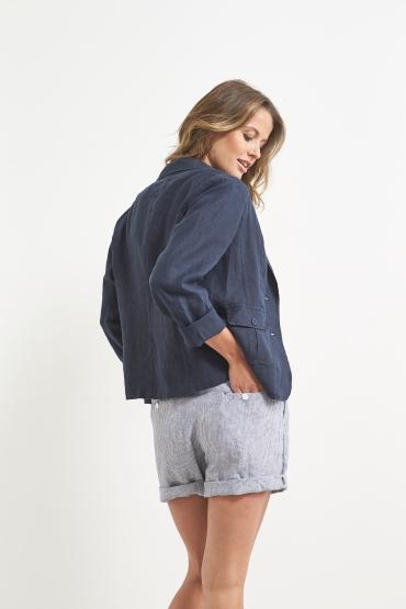 Blazer: 446J4130A, Shorts: 446J8053A